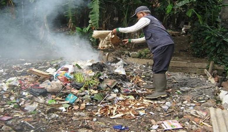 bakar sampah