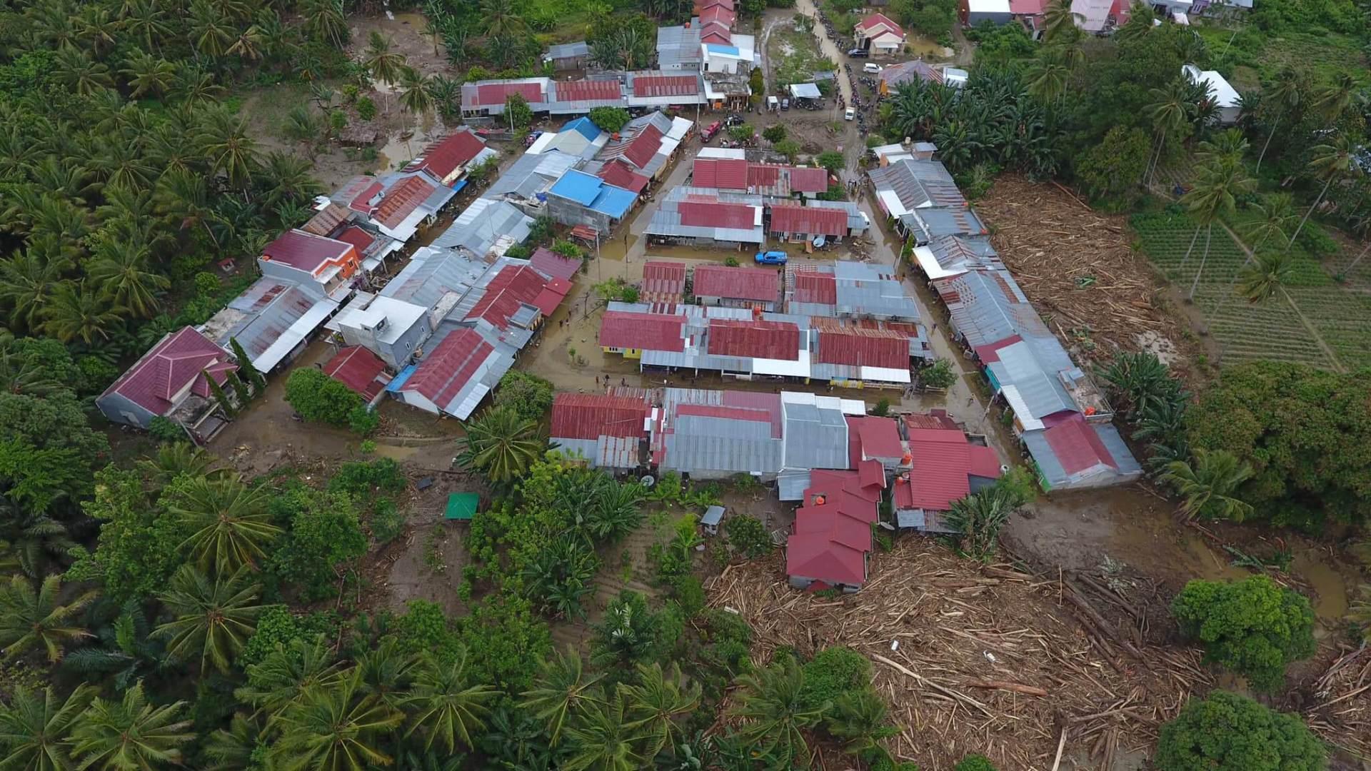Banjir di Kolaka Utara, Sulawesi Tenggara Apakah penyebabnya ? dan dampak apa yang dirasakan ...